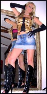 Vor allem das exhibitionistische Busenwunder CHRISTY kann es kaum noch erwarten, ihre schärfsten Röckchen schamlos zur Schau zu stellen und präsentiert Dir am Donnerstag, 22.05.2008 von 18-21 Uhr bei einer speziellen Minirock-Modenschau ihre sündigsten Stücke !