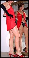In der sündigen Farbe der Lust und der Liebe gekleidet fühlt sich GeileGisela nur noch mehr dazu angespornt, ihre sexuellen Erfahrungen mit Dir zu teilen und Dich von ihrem Wissen profitieren zu lassen !