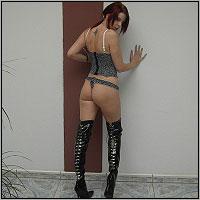 Denn LILLIAN weiss genau was Männer wollen und wie sie ihre langen, sexy Beine zur Geltung bringt !